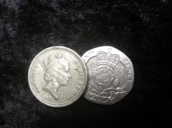 Coin Extraction / coin unique £1/20p